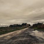Aan het einde van de straat begint de bruinkool afgraving